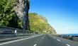 Route du littoral en bordure de mer, La Réunion