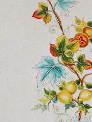 fiore dipinto su ceramica