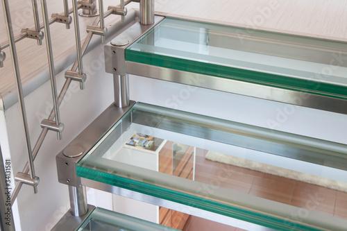 Foto op Plexiglas Trappen Moderne Glastreppe