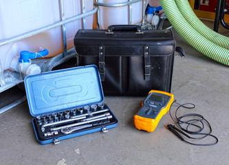 elektriker werkzeug mit tasche