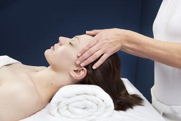 massage ayurédique des tempes