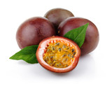Fototapety Fresh passion fruit with green leaves isolated