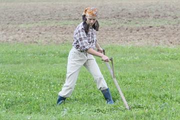 Landarbeit - Powerfrau