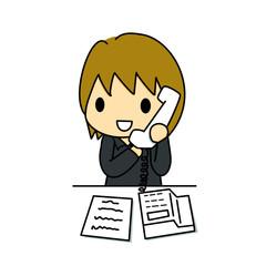 電話する事務員