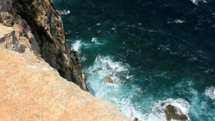 Vista della scogliera dall'alto (130m) Lampedusa, Italy
