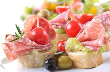 Snacks mit italienischer Salami
