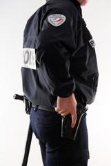 policier tonfa arme intervention sécurité