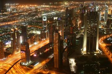 Dubai downtown por la noche