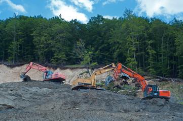 escavatori al lavoro