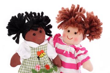 poupées blanches et noires