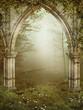 Gotyckie ruiny na tle wshodzącego słońca
