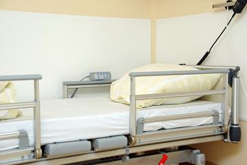 Krankenbett verstellbar