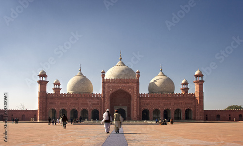 Prayer hall of Lahore mosque
