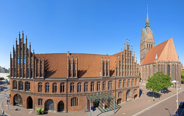 Das alte Rathaus in Hannover mit Marktkirche