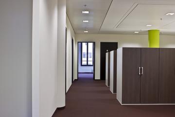 langer Gang Büro © Matthias Buehner