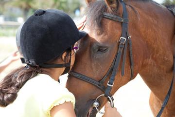 bambina bacia pony