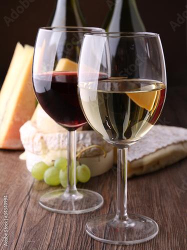 verre de vin rouge et blanc de photo libre de droits 34340994 sur. Black Bedroom Furniture Sets. Home Design Ideas