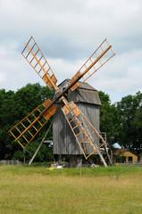 moulin dans l'île d'Oland en Suède