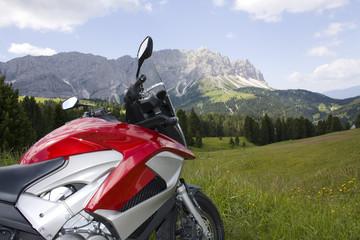 Motorrad in den Dolomiten
