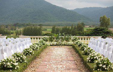 Tropical settings for a wedding on mountain