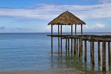 Ponton d'une plage de Mayotte