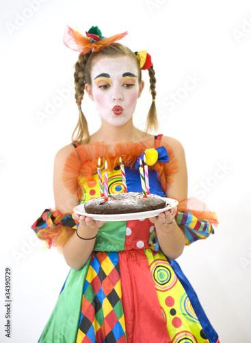 clown d guisement g teau d 39 anniversaire photo libre de droits sur la banque d 39 images. Black Bedroom Furniture Sets. Home Design Ideas