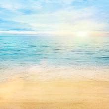Mar y arena de fondo
