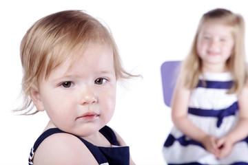 Geschwister Kinder, traurig und Freude