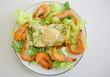 assiette de crevettes et pain de courgette