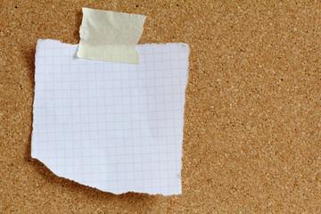Notizzettel an Kork Pinwand