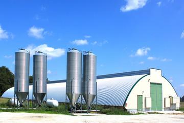 hangar et silos