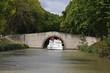 Passage délicat sous pont Canal du Midi