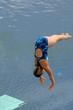 Salto desde trampolin
