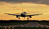Fototapety Lądowanie o zachodzie
