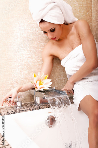 canvas print picture Woman getting ready for bath