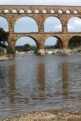 Pont du Gard (provenza) - riflessi sul fiume
