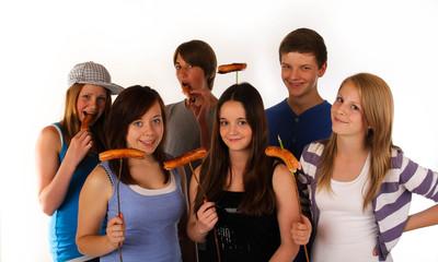0711 Gruppe grillen teenager