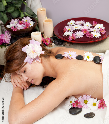 Hot stone massage © Christy Thompson