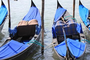 Gondoles à quai