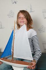 portrait enfant marin et voilier