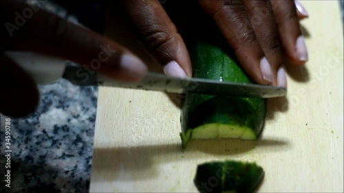 Preparation of the omelet with zucchini