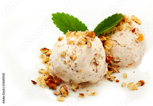 nut ice cream