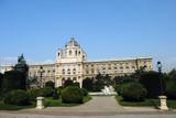 Parkanlage und Naturhistorisches Museum