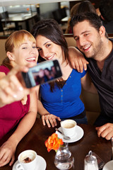 Gemeinsames Foto im Café
