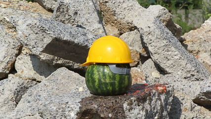 destroy watermelon with hammer
