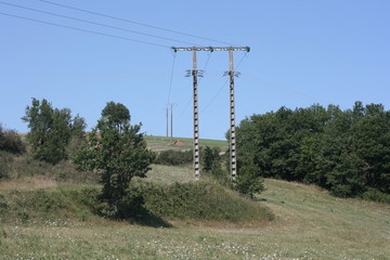 poteau et pylone électrique