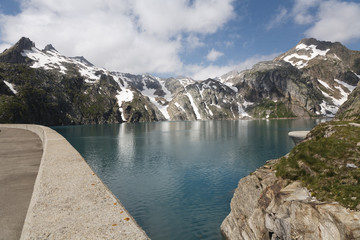 la diga di Cavagnoli Svizzera