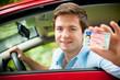 Leinwanddruck Bild - Jugendlicher mit neuem Auto und Führerschein