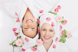 Fototapety glückliche freundinnen im spa