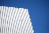 Windschutz aus Wellblech